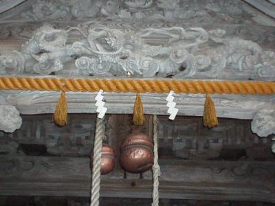 気多本宮拝殿の龍の彫刻 アップ写真